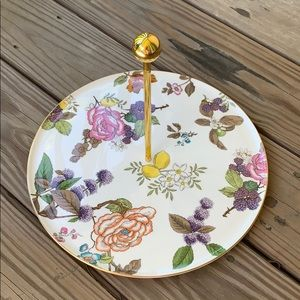 Beautiful wedgewood tray 11 inches